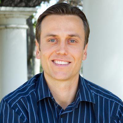 Chiropractor Camarillo CA Aaron Bates